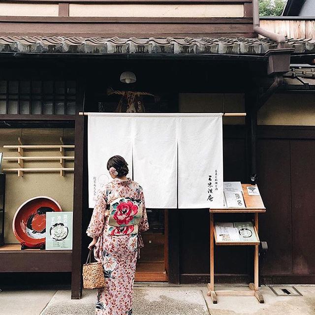 ⠀着物での京都観光は、普段より日本文化を感じることができるかも⠀女子旅でもご家族でも、素敵な旅になりそう...⠀こちらの素敵なお写真は @aya408 さんの1枚です!ありがとうございます📸⠀⠀Sightseeing Kyoto in kimono may give you a better sense of Japanese culture.Whether it's a trip with friends or with family, it's going to be a wonderful trip ...This wonderful photo is taken by @aya408 ! Thank you⠀⠀#ホテルリソル#リソルホテル#京都#京都旅行#hotelresol#京都宿#宿#ホテルステイ#ビジネスホテル#旅行#出張#観光#国内旅行#旅好き#旅好き女子#旅好き#着物#着物レンタル#京都観光スポット#プレゼントキャンペーン#懸賞#懸賞情報 #キャンペーン実施中#キャンペーン#japantrip#kyoto#japan#japanhotel#kyotoviewhotel#kyotocafe#kyototravel